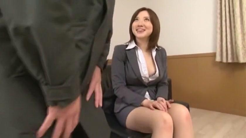 Beautiful dark-haired slut gets her holes pricked in amazing groupsex  903225
