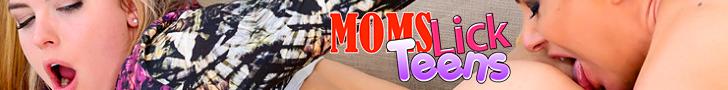 momslickteens.com