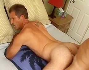 Bisexual threesome with a cockold