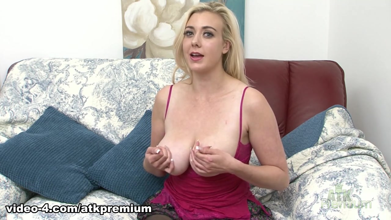 Hippie lilly sapphire loves hard cock