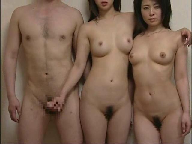 hot naked lesbians eating pussy