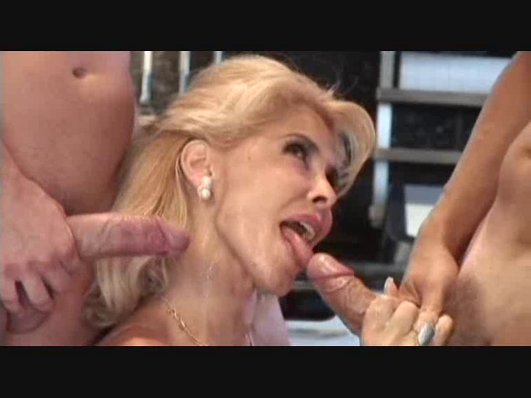 Секс со зрелой милли даббраччо видео