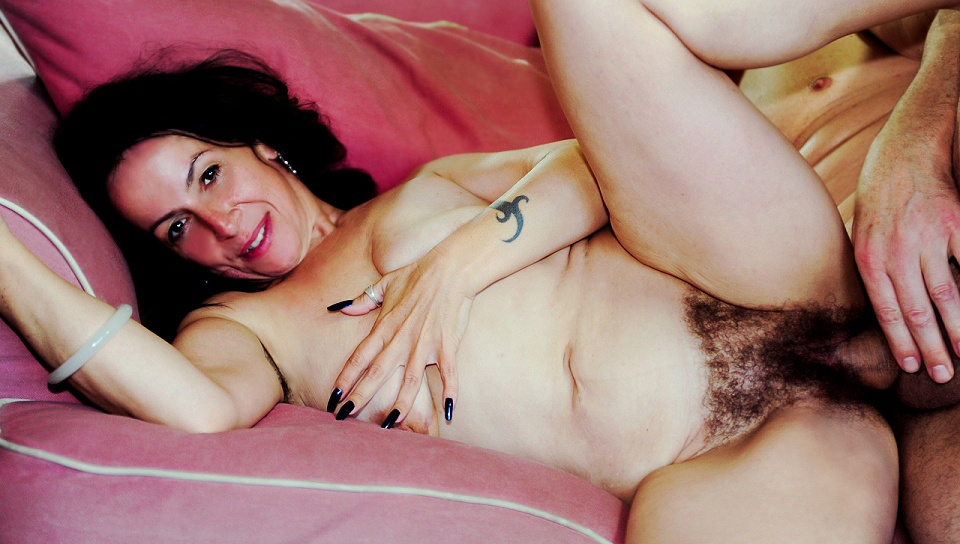 Hairy Mature Porn Sites