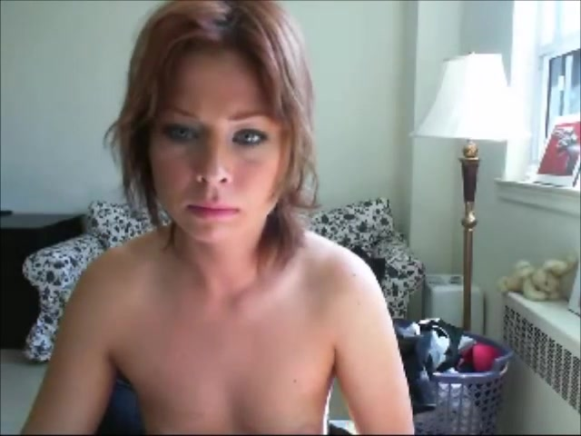 Milf jilling off on couch