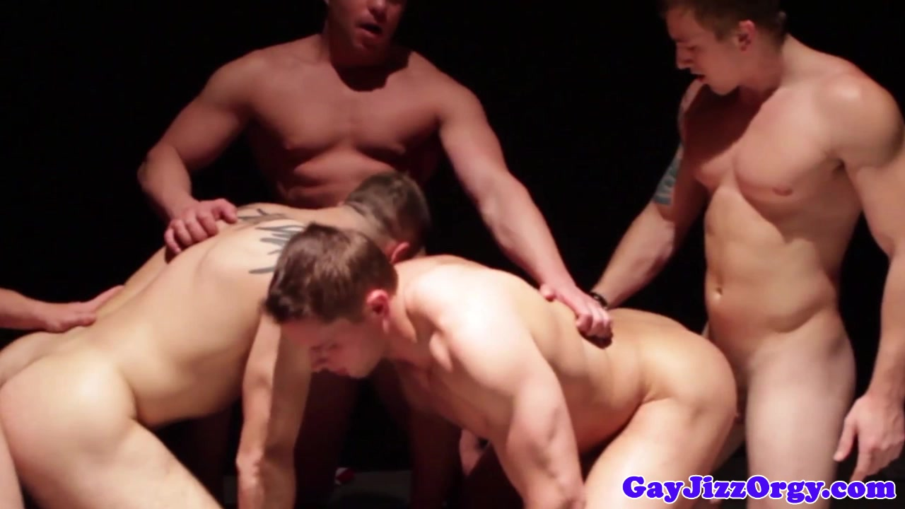 Muscly Threesome Jizz