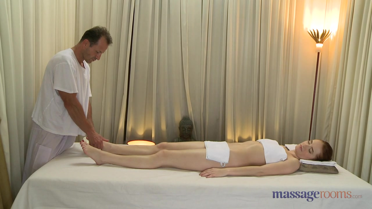 Melissa theuriau topless