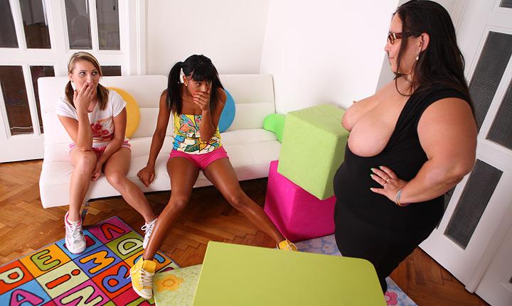 3 way lesbian sex