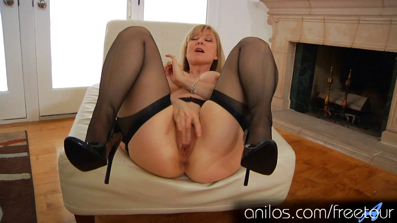 Showing Porn Images For Nina Hartley Masturbation Porn -4155