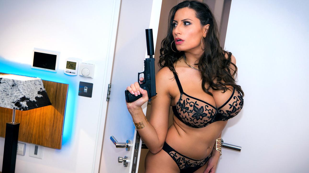 Carmel Anderson Sensual Jane Zara Durose Ben Kellyin Monarch Scene 1