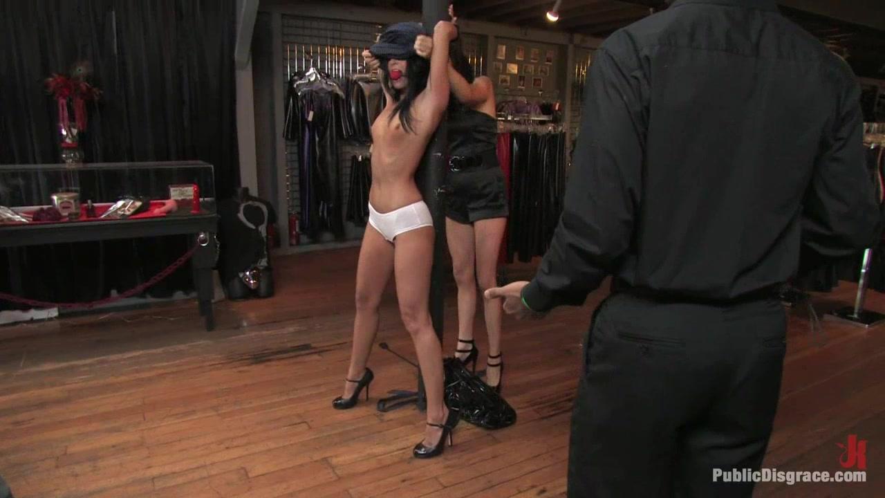 Nude Porn Pics Masturbation chairs dildo