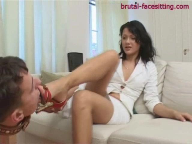Brutal facesitting tranny strap on video
