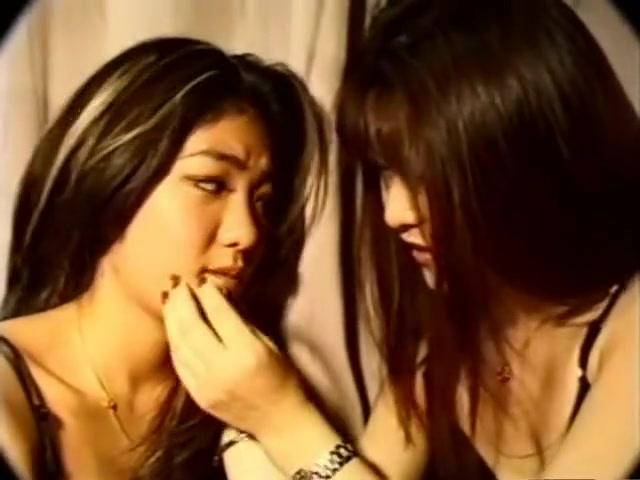 Japanese Lesbian Kissing 1