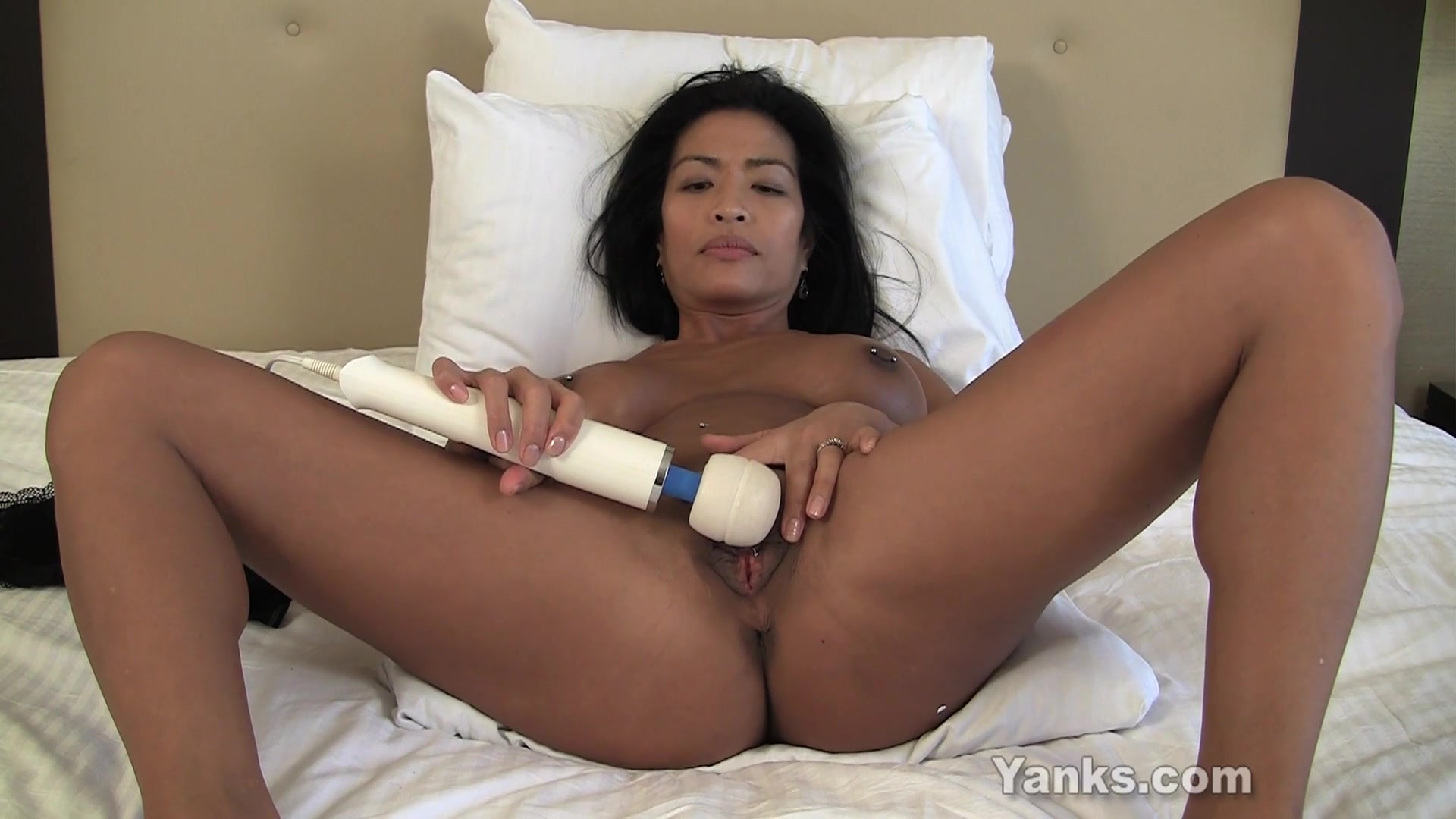 Asian Milf Tia Vibrating Her Pussy  Yanks Xxx Tube Channel-4788
