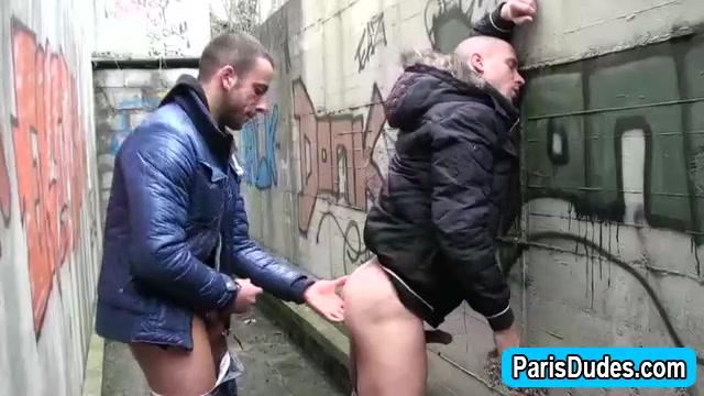 Euro gays outdoor blowjob