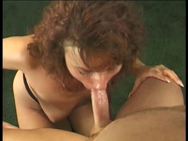 Порно курящая мамочка