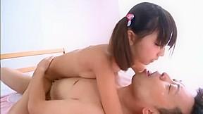 【神田るみ】ツインテールのツルペタ,ツルマン女子とベッドでいちゃいちゃセックス!