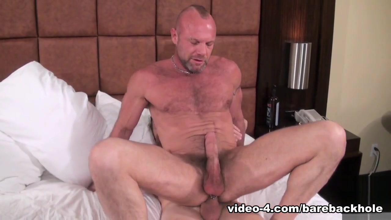 Matt sizemore and jay hernandez raw 3
