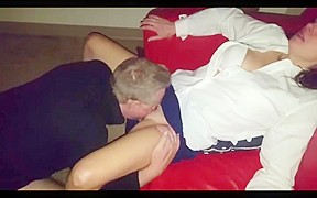 Fucking wife with huge strapon