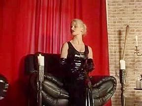 German fetish queen deals with her slave