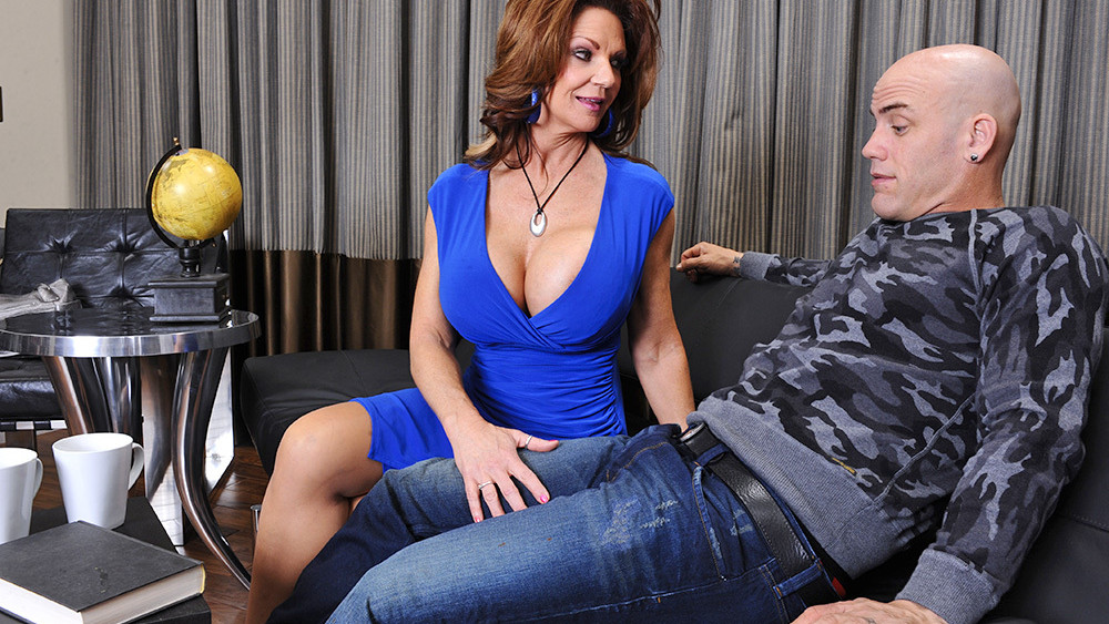 By deauxma a cougar seduced