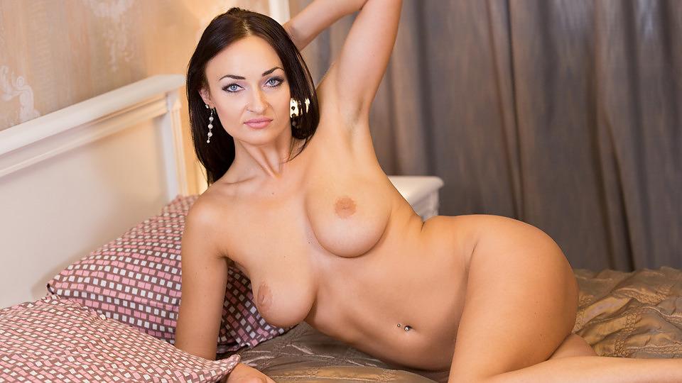 Γυμνή μαμά πορνό κανάλι
