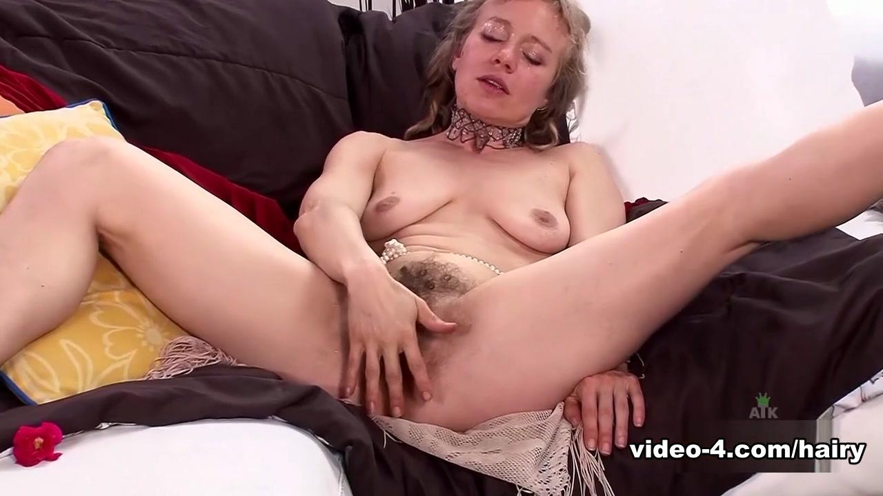 My sisters naked big boobs