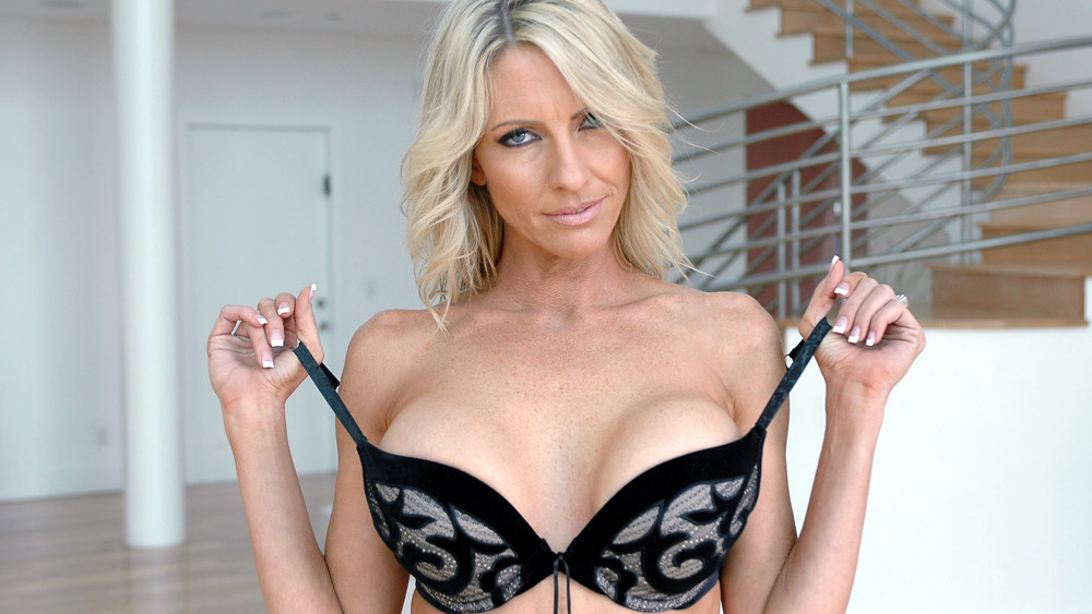 Emma Starr Diary Of A Milf