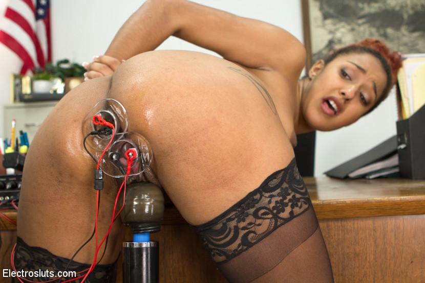 Sexy milf daisy in webcam!