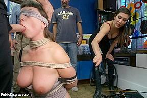 Nicki minaj boobs gif