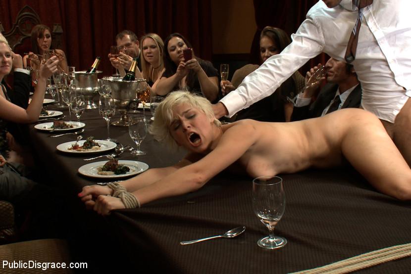 Rosamund pike hitchcock blonde nude