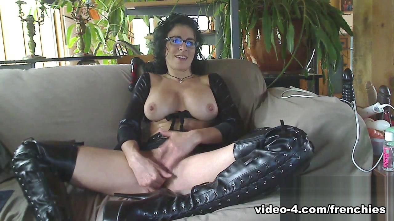 Livecam Mistress Bianca Masturbates Slave Wanks -8170