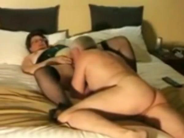 lady looks    for hetero