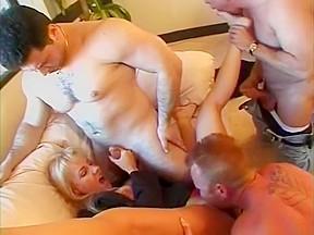 Twins in porn threesome