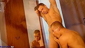 Jonathan taylor thomas gay photo