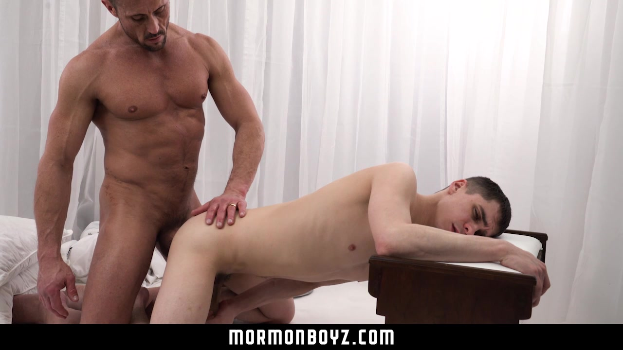 Mormonboyz Daddy Fucks Twink Bareback In Office
