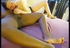 Amateur wife shows tits to strangers