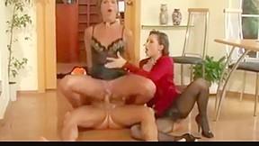 Teen girl orgy pics