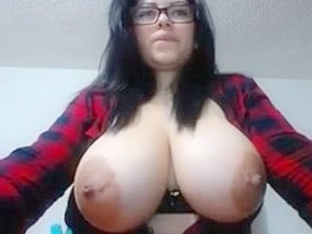 Bbw cumshot in boobs