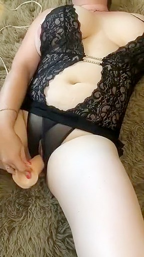 Up skirt nude pussy