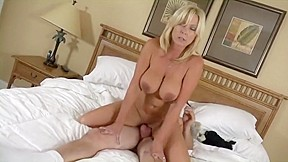 Squirt in her mouth milf