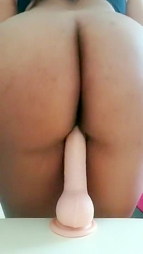 Pussy and porn pic