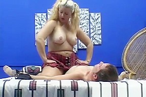 Mia khalifa bouncing tits