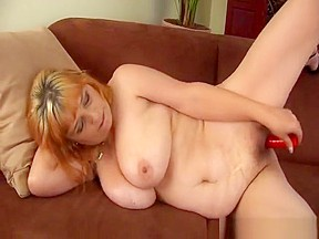 Sexxxy milf uses her toy