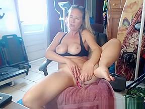 Busty blonde hottie fucked