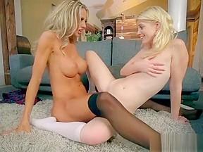 Big booty facesitting lesbian