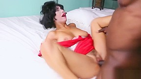 Mature milf gives massage