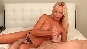 Black midget fucks big tittie woman