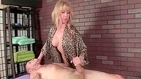 Mature jp mom give handjob