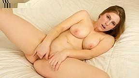 Short girls pussy spread