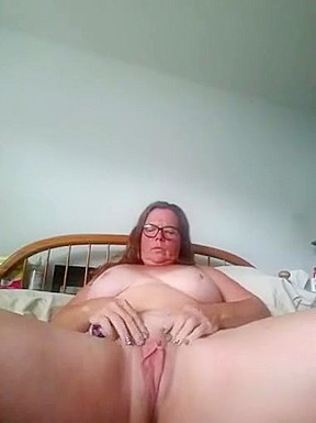 Hot blonde milf with didlo